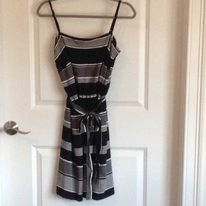Gap size small black and white sundress